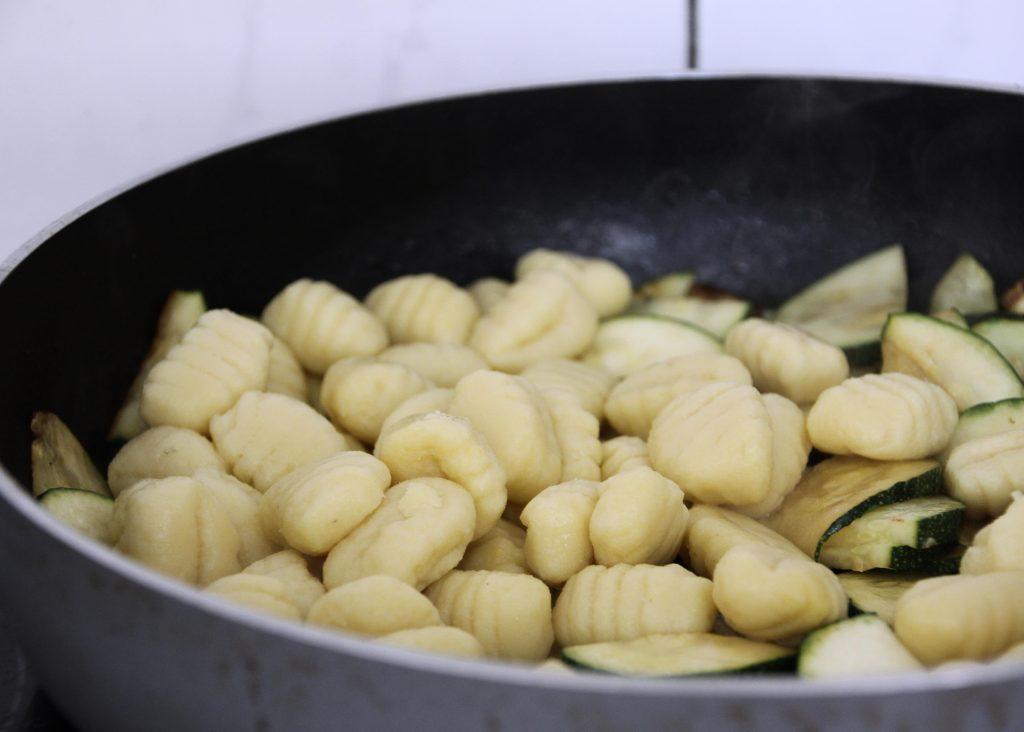 Gnocchipfanne mit Zucchini